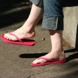 Best Sandals for Overpronation and Flat Feet