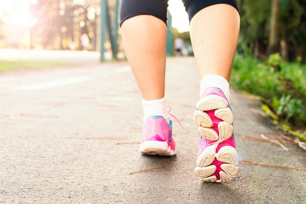 best running and walking shoes for hip and knee pain