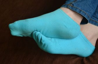 Best Socks for Hey Dude Shoes